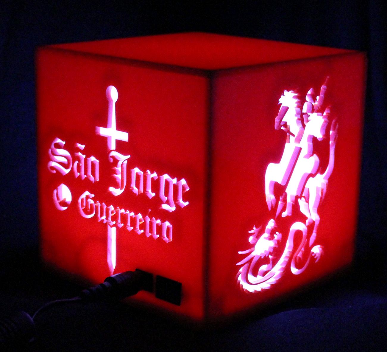 Luminária Cubo: São Jorge