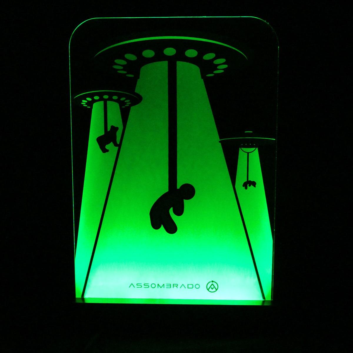 Luminária em Acrílico Com Fio: Abdução